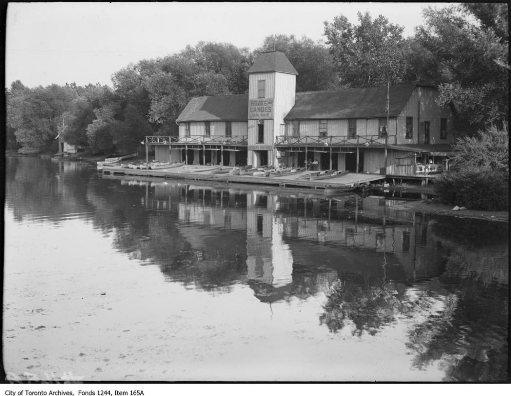 Durnan's boathouse, Centre Island. - 1908