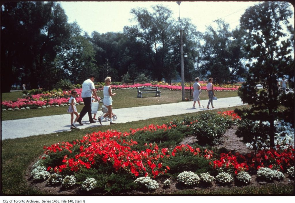 Waterfront - Toronto Island. - [between 1977 and 1998]